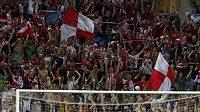 Fotbalisté Slavie oslavují vítězství nad CZ Bělěhrad.