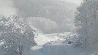 Zasněžený běžecký areál ve Vesci
