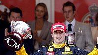 Robert Kubica se raduje z třetího místa při Velké ceně Monaka