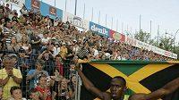 Jamajský sprinter Usain Bolt po vítězství v závodě 100 metrů na mítinku Zlatá tretra v Ostravě