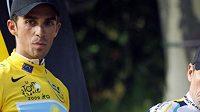 Alberto Contador (vlevo) a Lance Armstrong
