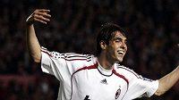 Astronomických 80 miliónů eur nabízí předseda Realu Madrid Calderón za Brazilce Kaká z AC Milán