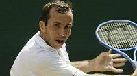 Český tenista Radek Štěpánek na Wimbledonu v zápase proti Španělu Ferrerovi
