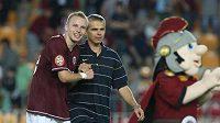 Michal Kadlec (vlevo) s trenérm Sparty Vítězslavem Lavičkou se radují z vítězství - ilustrační fotografie