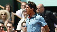 Roger Federer v zápase s Tommy Haasem na French Open