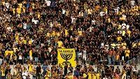 Skupina fanoušků Beitaru známá jako La Familia