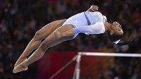 Americká gymnastka Simone Bilesová předvedla na MS ve Stuttgartu dva nové prvky.