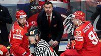 Ruské hokejisty vede Alexej Kudašov.