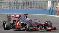 Britský pilot Jenson Button ze stáje McLaren na trati