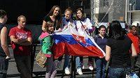 Semifinálový duel slovenských hokejistů s českým týmem poutá pozornost fandů v Bratislavě
