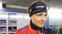 Rychlobruslařka Karolína Erbanová v rozhovoru s novináři po závodě na 1000 metrů na MS v Heerenveenu.
