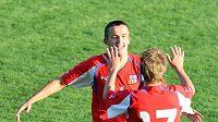 Tomáš Pekhart se raduje z gólu.
