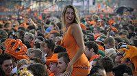 Ještě na začátku prodloužení byla nálada v holandských ulicích výborná.