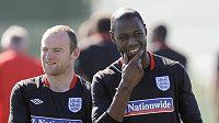 Wayne Rooney a Ledley King (vpravo) na tréninku anglické reprezentace.