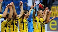 Fotbalisté Teplic oslavují první výhru v sezóně, jíž dosáhli v 5. kole v duelu s Ústí nad Labem.