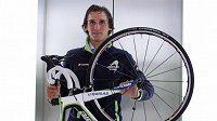 Cyklista Roman Kreuziger a jeho silniční speciál Cannondale pro Tour de France.