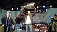 Na Davida Krejčího a Stanley Cup se ve Šternberku přišlo podívat na dva tisíce lidí.