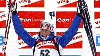 Ruská biatlonistka Světlana Slepcovová se raduje z vítězství ve slovinské Pokljuce