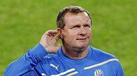 Cože? Opravdu Schalke? Jako by se chtěl ujistit plzeňský trenér Pavel Vrba.