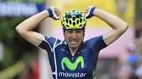 Španěl Francisco Ventoso oslavuje triumf v šesté etapě Gira d'Italia.