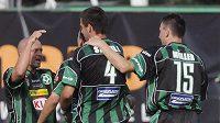 Fotbalisté Příbrami se radují z gólu do sítě Sparty, který vstřelil Cafú