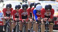 Cyklisté stáje Radioshack během týmové časovky