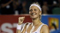 Petra Kvitová se raduje z postupu do osmifinále Australian Open.