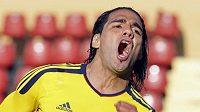 Kolumbijec Radamel Falcao oslavuje jeden ze svých gólů proti Bolívii.