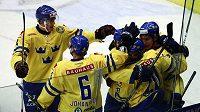 Hokejisté Švédska budou v úvodních dvou zápasech olympijského turnaje v Soči postrádat obránce Edlera.