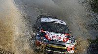 Martin Prokop s vozem Ford Fiesta WRC na trati Britské rallye.