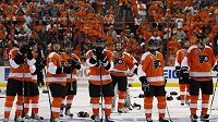 Zklamaní hokejisté Philadelphie po prohraném finále
