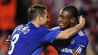 Radost fotbalistů Chelsea Salomona Kaloua (vpravo) a Franka Lamparda z gólu.