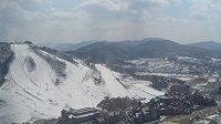 Na svazích nad horským střediskem Alpensia by měly o medaile bojovat sjezdové lyžařky.