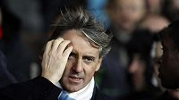 Trenér Manchesteru City Roberto Manchini má po prohře v Hullu o čem přemýšlet.