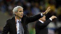 Trenér Francouzů Raymond Domenech je opět pod palbou kritiky.