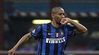 Maicon v dresu Interu Milán se raduje z branky.