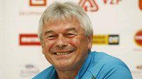 Trenér Martiny Sáblíkové Petr Novák věří, že se rychlobruslařská hala postaví do roku 2014.