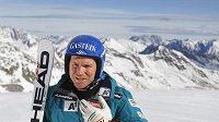 Rakouský lyžař Hans Grugger se vrátil na svahy.