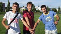 Jeden za všechny a všichni za jednoho - zleva Admir Ljevakovič, Samir Merzič a Aidin Mahmutovič.