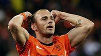 Nizozemec Wesley Sneijder slaví postup do finále mistrovství světa.
