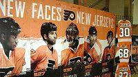 Hráči, kteří do kádru Flyers přestoupili před sezónou.