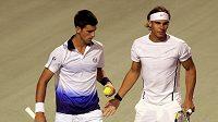 Novak Djokovič (vlevo) a Rafael Nadal