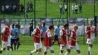 Nový kapitán sešívaných Lukáš Jarolím (třetí zprava) dal Laziu Řím dva góly.
