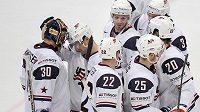 Američtí hokejisté si po dvou výhrách ve skupině o udržení pojistili účast na příštím světovém šampionátu.