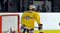 Brankář Dominik Hašek na tréninku HC Moeller Pardubice
