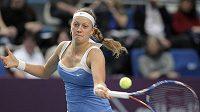 Tenistka Petra Kvitová v semifinále pařížského turnaje proti Američance Mattekové-Sandsové.