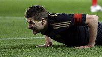 Steve Gerrard se v přípravném zápase zranil.