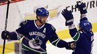 Útočník hokejistů Vancouveru Henrik Sedin