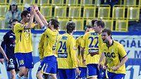 Radost fotbalistů Teplic, čelo tabulky mají blízko.