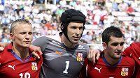 Petr Trapp (vlevo), Petr Čech a Martin Fenin před zápasem s Peru